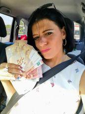 Dein Geld ist mein!