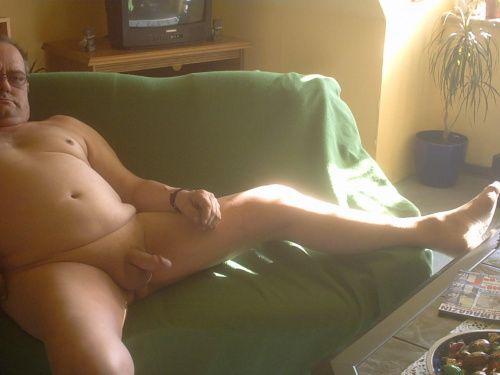 Haushaltshilfe Nackt